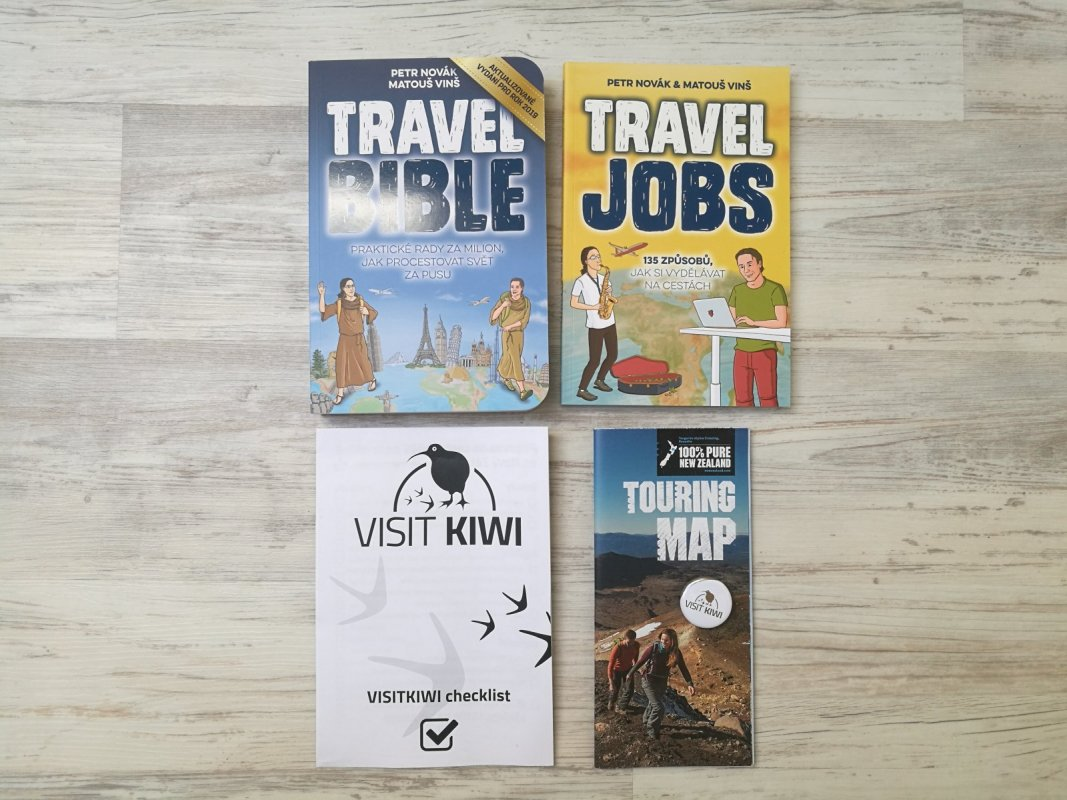 Travel Bible, Travel Jobs + zdarma checklist, mapa, odznáček