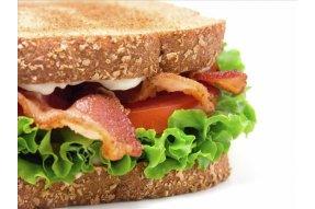 Zakázané potraviny Sandwiche, bagety a vše obsahující, šunku, sýr či čerstvou zeleninu.