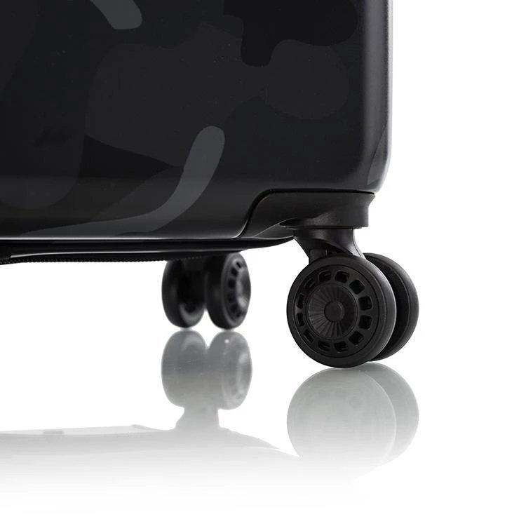 Heys Black Camo L cestovní kufr TSA 76 cm 132 l