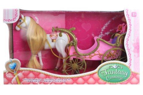 Kůň s růžovým kočárem