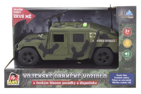 Vojenské obrněné vozidlo s českým hlasem