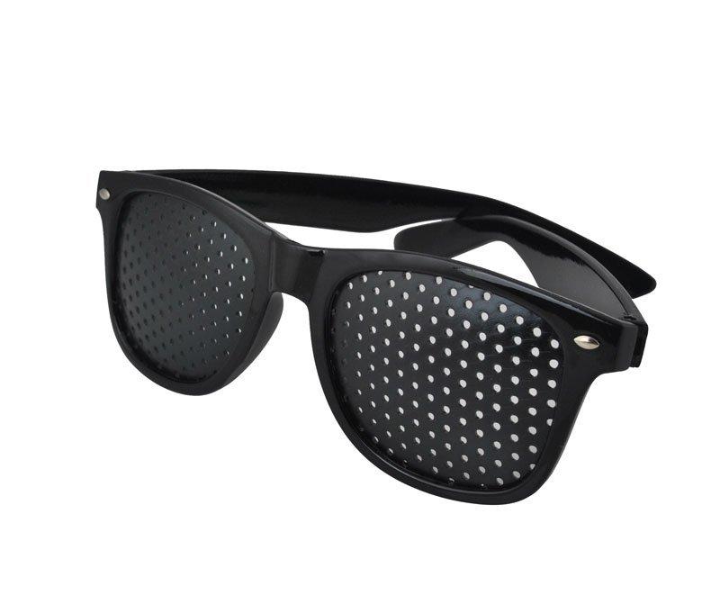 Děrované brýle pro zlepšení zraku