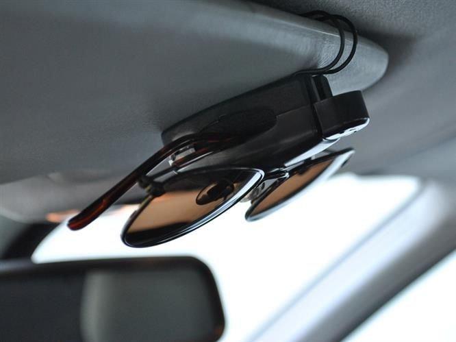Držák na brýle do auta