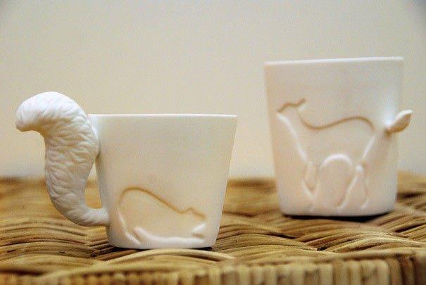 Porcelánový hrneček s ocáskem - veverka