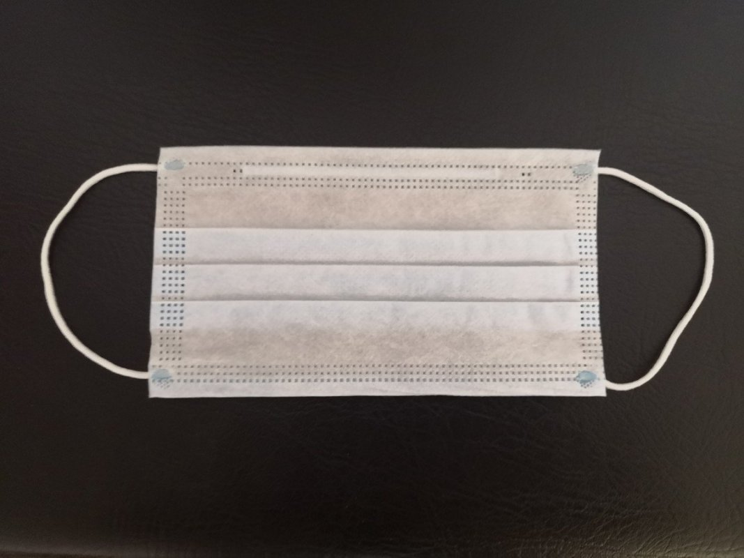 Rouška z netkané textilie 100 kusů