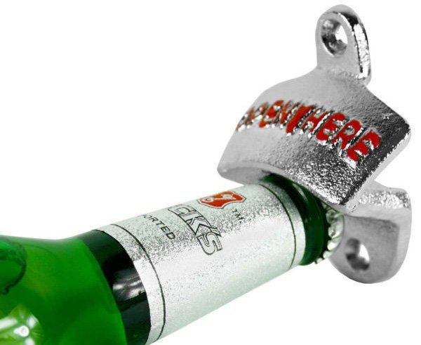 Nástěnný otvírák lahví