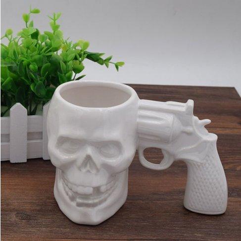 Hrnek revolver lebka